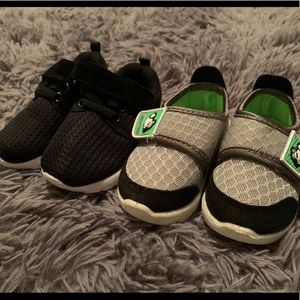 2 pairs size 4c shoes